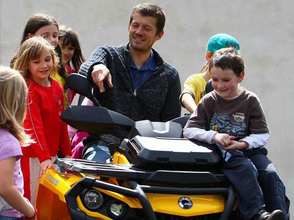 Běžkařské trasy na Polevsku a v okolí upraví nová drahá technika.