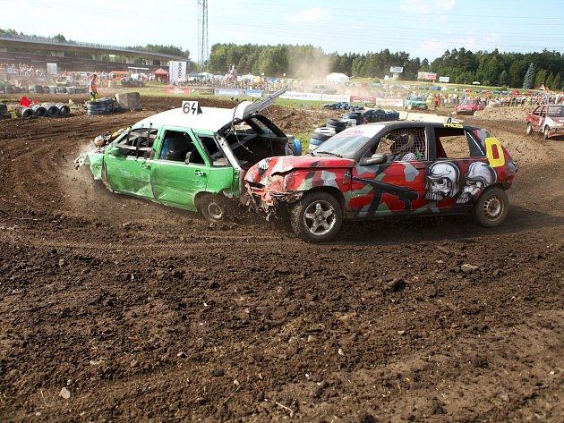 Destruction derby na autodromu. Den druhý.