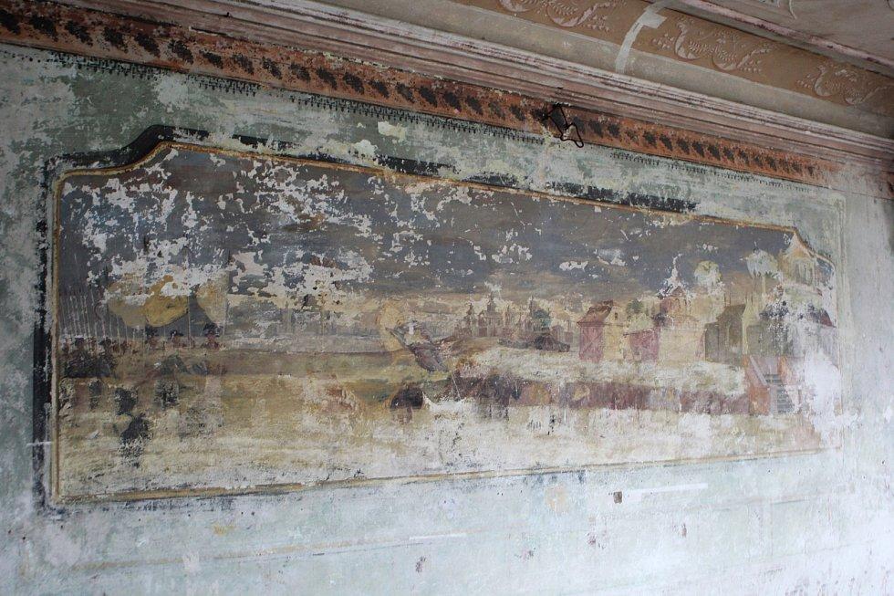 Zámek ve Stvolínkách ještě dlouho nebude pravidelně vítat návštěvníky.