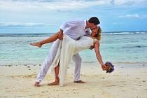 Plavecká mistryně Evropy Petra Chocová a míčový kouzelník světový šampion ve footbagu Jan Weber se v říjnu vzali na exotických Seychelách.