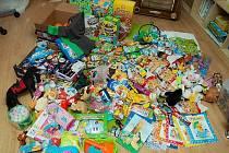 Sladkosti nebo třeba ovoce, ale i použité dětské oblečení. Tím vším můžete pomoci dětem z azylového domu Jonáš.