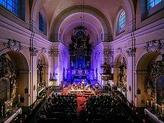 Letošní festival Lípa Musica odstartoval koncertem basisty a loutnisty Joela Frederiksena a jeho Ensemble Phoenix Munich v bazilice Všech svatých v České Lípě.