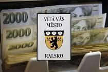 V současnosti Ralsku zbývá zaplatit do státní kasy z městského rozpočtu asi 4,5 milionu.