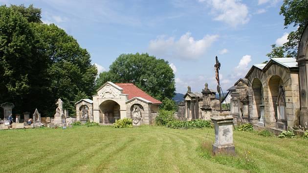 Hřbitov v Kamenickém Šenově