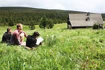 V neděli 5. 6. skončilo v Jizerských horách čtyřdenní národní kolo Ekologické olympiády, kterým byl završen 21. ročník soutěže. Hostil ho Liberecký kraj v nejvýše položeném sídle Jizerských hor, osadě Jizerka.