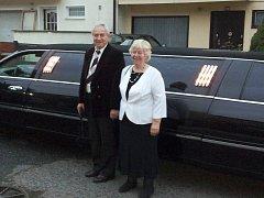 Pětapadesát společných let už spolu prožili manželé Jaroslav a Emilie Dolejšovi z Nového Boru.