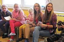 Zákupská základní škola má jako jediná na Českolipsku už druhým rokem fungující žákovský parlament a vzala si za cíl seznámit další školy z regionu s fungováním a přínosy takové instituce.