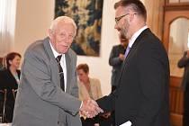 V pátek ještě Kamil Matějovič převzal ocenění pro nejlepšího kronikáře, v sobotu náhle zemřel.