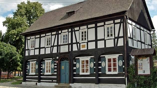 V neděli se otevře více než stovka podstávkových domů u nás i v sousedním Polsku a Německu.