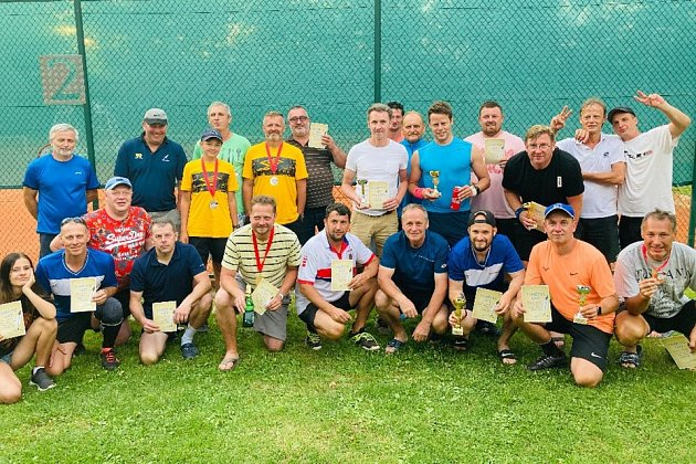 Vprůběhu jarní a letní sezony 2020prošlo všemi našimi turnaji téměř více jak 150rekreačních tenistů zopravdu širokého okolí města Česká Lípa.