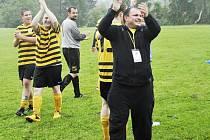 Trenér Pavel Horváth dovedl mužstvo po pěti letech zpět do II. třídy.