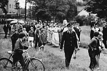 V roce 1967 proběhly oslavy 100. výročí otevření železniční dráhy z České Lípy do Bakova nad Jizerou. Na snímku v popředí je přednosta železniční stanice Jestřebí v Provodíně pana F. Matějíček.