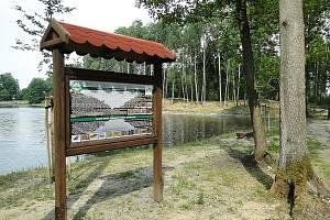 Město v červnu dokončilo opravy žizníkovského rybníka a úpravy jeho okolí. Na kompletní odbahnění původně nebyly peníze, nyní pomůže dotace.