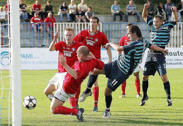 Českolipští fotbalisté mají záchranu v ČFL ve svých rukách.