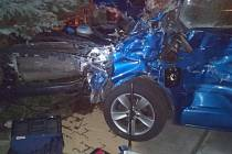 Řidič hasičské cisterny při dopravní nehodě ve Starých Splavech způsobil škodu ve výši téměř půl milionu korun.