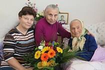 Požehnaného věku 103 let se 8. března dožila paní Marie Kchalupnik, v současnosti nejstarší obyvatelka České Lípy.