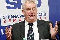 Miloš Zeman se rozhodl konkurovat dalším politickým subjektům a založil novou stranu. První setkání s občany okresu proběhlo v Novém Boru.