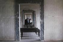 Zchátralý zámek Stvolínky byl uplynulou sobotu mimořádně přístupný. Hrála se také opera.