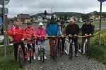 V rámci otevírání turistické sezony v Českosaském Švýcarsku zahájili v Kamenickém Šenově také koloběžkovou sezonu na cyklostezce Varhany.