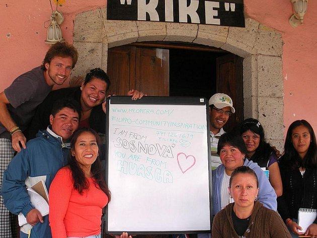 Občanské sdružení CommUNITY inspiration, jehož cílem je pomoc s odstraňováním chudoby v zemích třetího světa, vyslalo druhý týden v září do Mexika své čtyři dobrovolníky.
