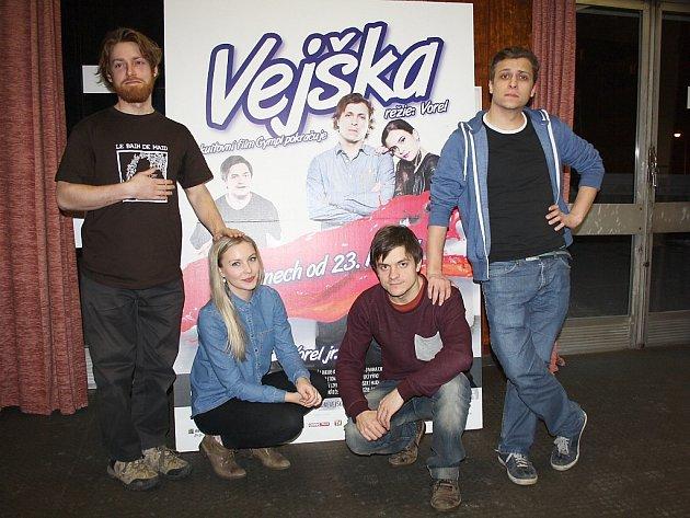 Herecká a tvůrčí delegace filmu Vejška dorazí ve středu do Nového Boru a České Lípy.