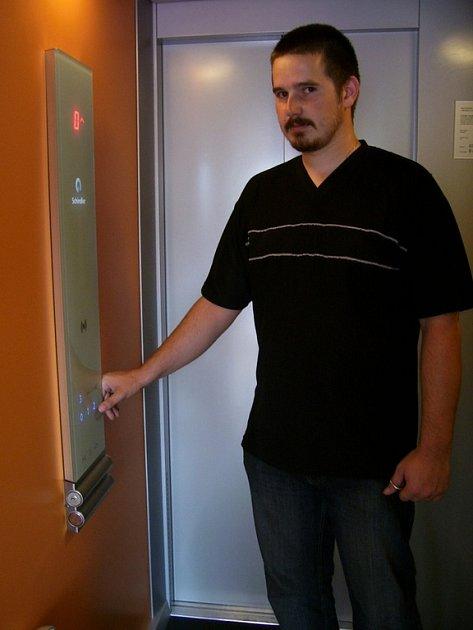 Imobilní občané budou moci již od pondělí příštího týdne využívat zbrusu nový výtah