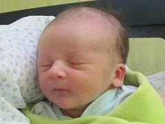 Rodičům Kláře a Michalu Charvátovým ze Sosnové se ve čtvrtek 16. ledna ve 12:54 hodin narodil syn Adam Charvát. Měřil 50 cm a vážil 3,53 kg.