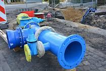 Obnova vodovodu uzavřela přívod pitné vody na řadu hodin ve většině ulic Nového Boru. Školáci i úředníci dostali volno.