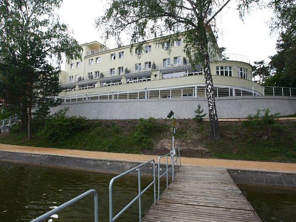 Hotel Port vDoksech - Stavba Libereckého kraje 2013.