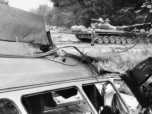 Bild vergrößern ZVEŘEJNĚNÍ nehody, k níž došlo v období výročí srpnové okupace 1968, bylo omezené.