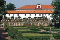 Mezi nejcennější památky  v kraji patří bývalá císařská habsburská rezidence – zámek v Zákupech.
