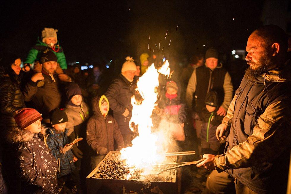 Zahájení adventu na náměstí Míru v Novém Boru.
