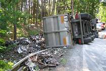 Nehoda kamionu mezi Kuřívody a Dolní Krupou