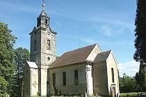 Kostel v Lindavě. Anton Günter se ve vsi v rodině kováře narodil 17. listopadu 1783.