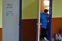 O čistotu toalet v OD Andy se stará Jana Jechoutková.