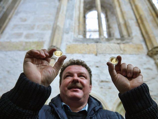 Sběratel mincí a zároveň kastelán Bezdězu Kamil Seidl.