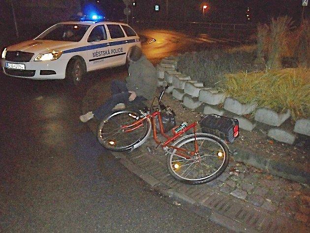 Strážníci našli v centru České Lípy opilého cyklistu.