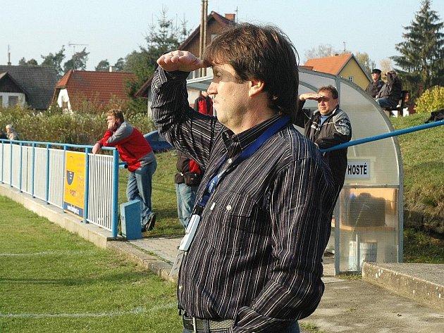 Milan Bubla se před sezonou vrátil na lavičku Doks po čtyřech letech.