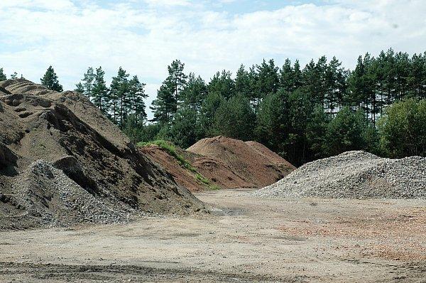 Na pozemcích Libereckého kraje bez smlouvy hospodaří firma českolipského podnikatele.