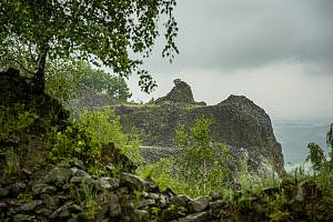 Areál lomu na kopci Tlustec v Brništi.