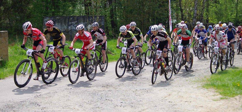 V neděli  5. května se v Doksech u Máchova jezera uskutečnil 4. ročník závodu XC Bílý kámen (série Haven Amulet Cup).