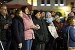 V České Lípě si koledy s Deníkem zazpívalo asi 300 lidí. Zpívalo se na náměstí T. G. Masaryka.