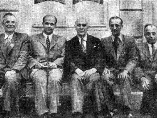 Učitelé Letní školy esperanta v roce 1947 v Doksech, Václav Špůr je druhý zleva.