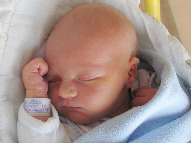 Rodičům Markétě a Jakubovi Svatoňovým z Vítkova se v úterý 29. listopadu ve 14:57 hodin narodil syn Jakub Svatoň. Měřil 52 cm a vážil 4,03 kg.