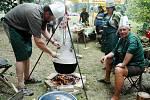 Myslivci budou po roce opět vařit v polních podmínkách zvěřinové guláše.