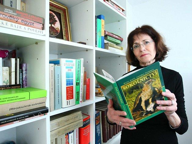 """""""Byl to člověk přítomnosti a budoucnosti, ze vzpomínek příliš nežil,"""" vypráví osvém muži překladatelka Anna Štorkánová."""