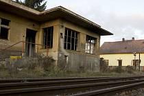 O koupi areálu bývalého městského nádraží v České Lípě jedná radnice už několik let. Vše vždy ztroskotalo na ceně, kterou požadují České dráhy.