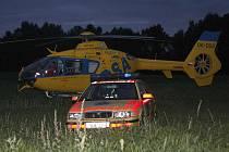 Utonulého mladého muže našli hasiči po zhruba hodině pátrání v Heřmaničkách u České Lípy. Záchranáři začali okamžitě muže oživovat. Bohužel neúspěšně.