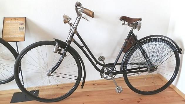 Od vzniku firmy, která produkovala nejslavnější jízdní kola a motocykly z Českolipska, letos uplynulo 120 let.