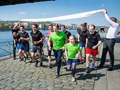 Tisíce běžců, mezi nimi i mnoho účastníků olympijských her, vyběhnou ve středu 21. června v 18 hodin na tratě závodů T-Mobile Olympijského běhu.